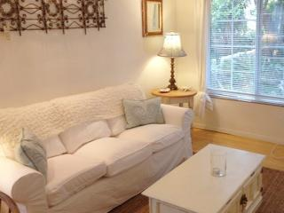 On Walkstreet,  2 Bed 2 bath, one Minute to Sand, - Los Angeles vacation rentals
