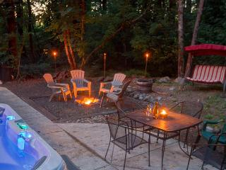 Enormous home with space for 15 guests, private hot tub - Welches vacation rentals