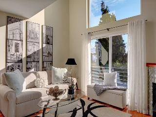 2 Bedroom Townhome Close to Alki Beach & Viewpoint- New low price! - Seattle vacation rentals