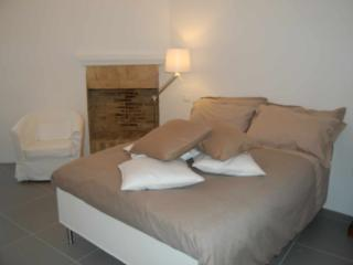 Comfortable 2 bedroom B&B in Ortona - Ortona vacation rentals