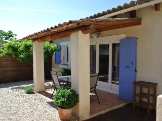Cottage in a provençal village - Luberon - Lauris vacation rentals