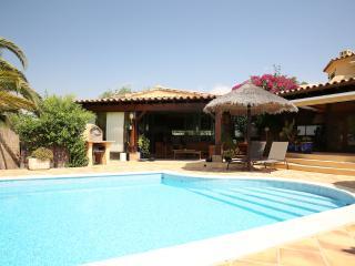 Luxury Algarve Villa - 6BR 7WC pool, gardens, WIFI - Lisbon vacation rentals