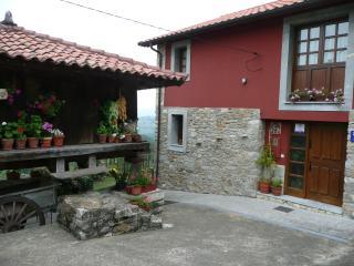 Casa rural La Cuesta - Teverga vacation rentals