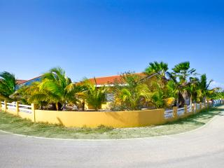 Villa Amarilla, privat pool and car rent - Curacao vacation rentals