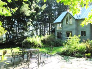 Spindrift Cottage at French Beach - Sooke vacation rentals
