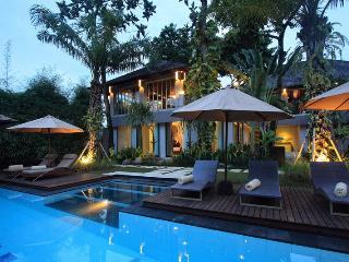 Villa Mojo – 4 Bedroom Tropical Villa in Seminyak - Seminyak vacation rentals