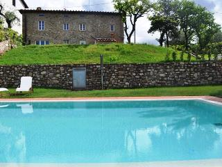 Sunny 3 bedroom Villa in Arliano - Arliano vacation rentals