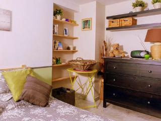 Studio In The Heart Of Nice - Balcony & Wifi - Nice vacation rentals