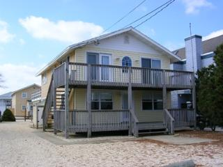 3 bedroom House with Deck in Surf City - Surf City vacation rentals
