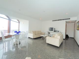Spacious Three Bedroom Ipanema Beachfront Apartment with Ocean Views and Swimming Pool - #580 - Rio de Janeiro vacation rentals