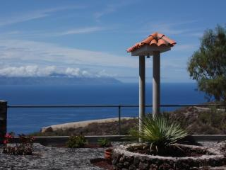 Luxury villa for up to 4 on Tenerife's west coast - Guia de Isora vacation rentals