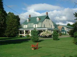 Hunger Mountain Ski House - Waterbury vacation rentals