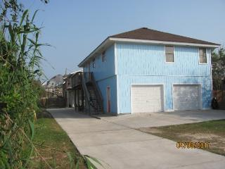 Beach close Sleeps 10, Pet Friendly No Size Limit - Port Aransas vacation rentals