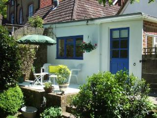 Overglen Court - A beautiful double bedroom garden annex near Petersfield - Petersfield vacation rentals