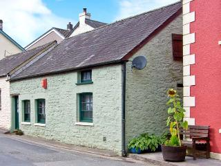 YR HEN EFAIL romantic retreat, woodburner, beams in Llandeilo Ref 28269 - Llandeilo vacation rentals
