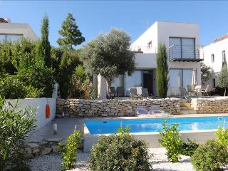 Nice 3 bedroom Villa in Neo Chorion - Neo Chorion vacation rentals