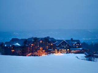 NEW YEARS WEEK AT GRAND LODGE PEAK 7 - SKI-IN / SKI-OUT - Breckenridge vacation rentals