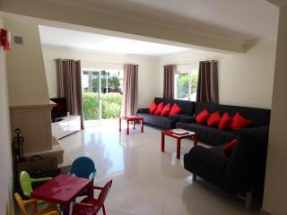 3 bedroom Apartment with Internet Access in Vilamoura - Vilamoura vacation rentals