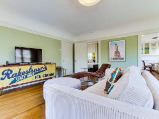 Spacious One Bedroom - Gorgeous! - in North Park - Pacific Beach vacation rentals