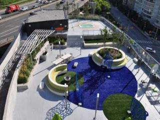 Panaroma LAKE VIEW 3 Bed Room + Den - Toronto vacation rentals