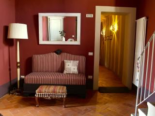 ANTICA RESIDENZA GATTESCHI: charming stay @ Pistoia town center - Pistoia vacation rentals