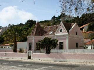 1009943 - Modern Stylish Beach bungalow, Walking distance to Beach - Sleeps 4 - Foz do Arelho - Baleal vacation rentals