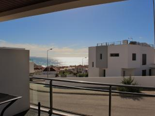 1051682 - Luxury apartment,with Sea Views, Near Top Surfing Beach, Sleeps 6 - Areia Branca - Baleal vacation rentals