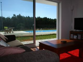 446675 - Modern Air Conditioned apartment with Garden and direct access to Pool - Sleeps 6 - Pedra do Ouro - Marvao vacation rentals