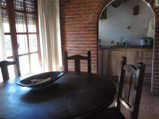 Alquilo propiedad x temporada.Zona La Perla.4/5p - Mar del Plata vacation rentals