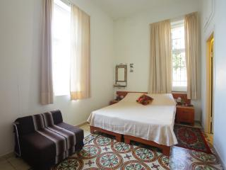 Beautiful Studio near the Old City - Jerusalem vacation rentals