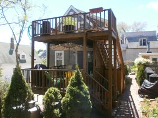 West End 3bdrm/2bath,Deck,Parking Bbq Grill and Washer/Dryer - Provincetown vacation rentals