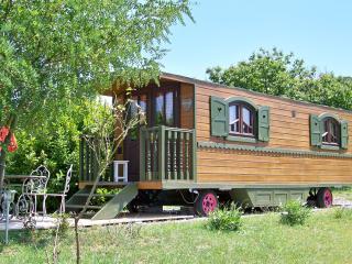 Roulotte la Romantique - Pranles vacation rentals