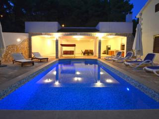 Holiday Home Daria - Duplex Five Bedroom Holiday House with Pool - Blato vacation rentals