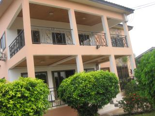 GHouse -ideal for friends/family and corporate let - Accra vacation rentals