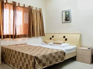 Luxurious 3 Bedroom apartment near Huma Mall Vikhroli - Malgund vacation rentals