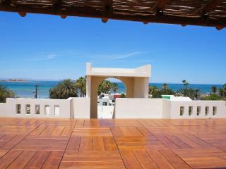 Vista Pelícanos 4B Walking distance to the Malecon - La Paz vacation rentals