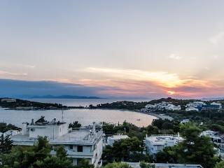 Amazing apartment in the Athenian Riviera - Athens vacation rentals
