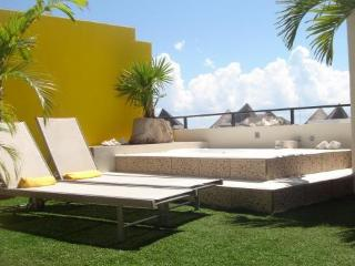 Luxury Penthouse with Private Rooftop Jacuzzi! - Playa del Carmen vacation rentals