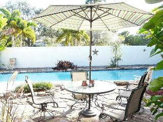 Bayview Paradise: Swing set, Great Pool. - Fort Lauderdale vacation rentals