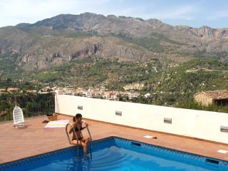 Apartment with outstanding mountain views in the Guadalest Valley - Benimantell vacation rentals