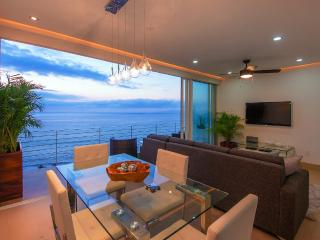 PRIVATE DECK JACUZZI|ROOF INFINITY POOL|BLOCK2BEACH|AMAPAS353|FULLOCEAN VIEW|GYM - Puerto Vallarta vacation rentals