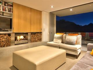 Perfect 5 bedroom House in Queenstown with Internet Access - Queenstown vacation rentals