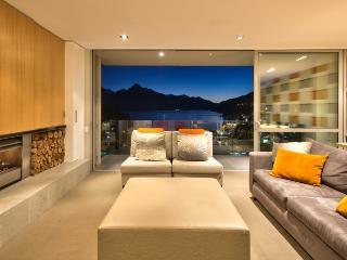 5 bedroom House with Internet Access in Queenstown - Queenstown vacation rentals
