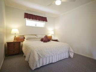 One bedroom Self Contained Cottage- Eco Accredited - Laidley vacation rentals