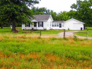 Nice House with Internet Access and A/C - Parsons vacation rentals