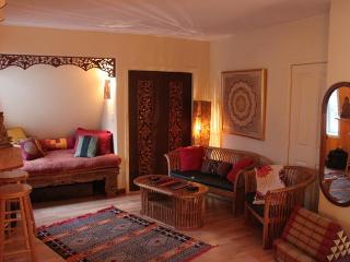 Beautiful Bright Cozy & Elegant  Uptown Studio Apt - Nelson vacation rentals