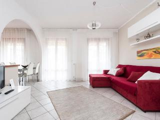 Apartment 2-4-5 p. with terrace and garage in Pisa - Pisa vacation rentals