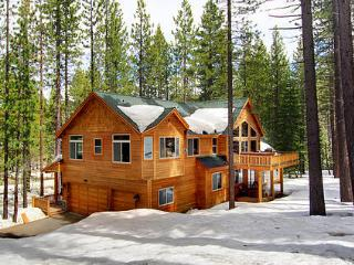 JICARILLA Just Minutes From Town At A Great Price! - South Lake Tahoe vacation rentals