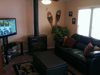 Cozy Haven Condo,  2 Bedroom, On Park Ave! Unbelievable location! Perfect for Sundance and Skiing!! - Park City vacation rentals