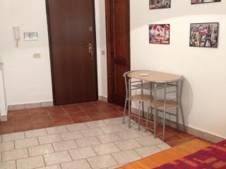 Monolocale Santissimo Salvatore - Palermo vacation rentals